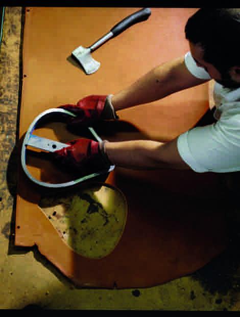 Brooks verwendet nur den mittleren Teil der Lederhäute. Mit einer Dicke von fünf Millimetern kommen diese ausschließlich von englischen Rindern.