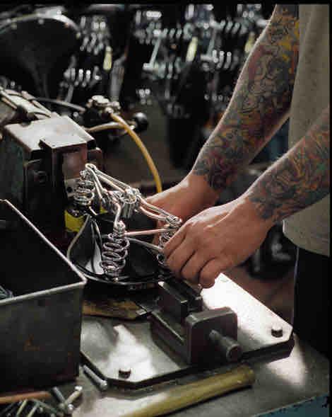 Seit fast eineinhalb Jahrhunderten steht der Name Brooks England für handgearbeitete Lederartikel der Spitzenklasse.