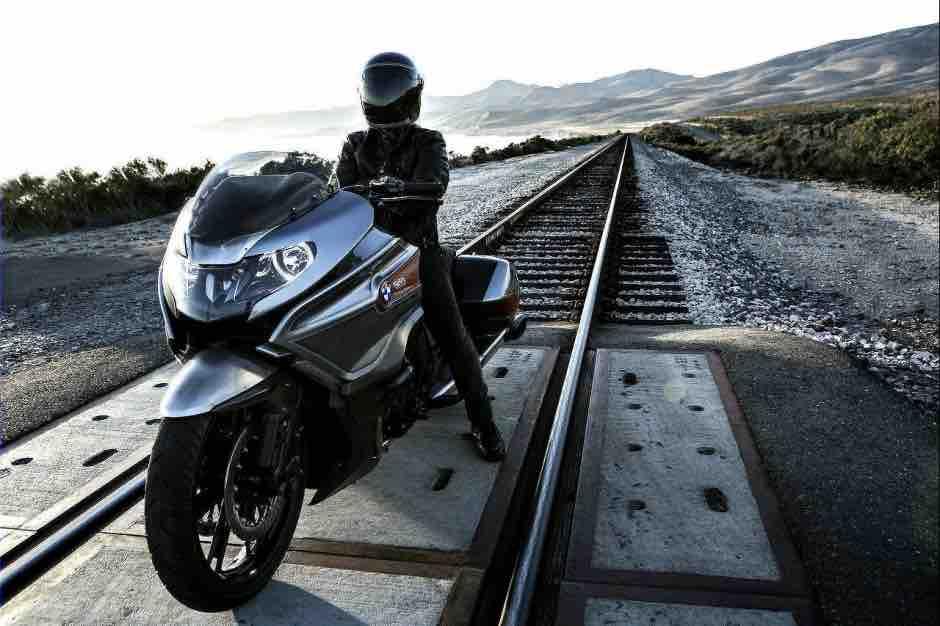BMW Motorrad Concept 101_11